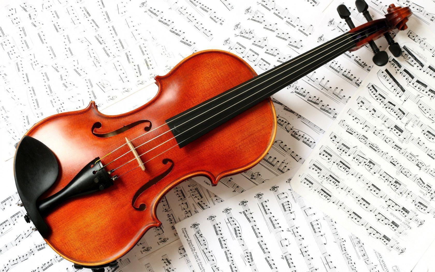 1680x1050 Violin Wallpaper