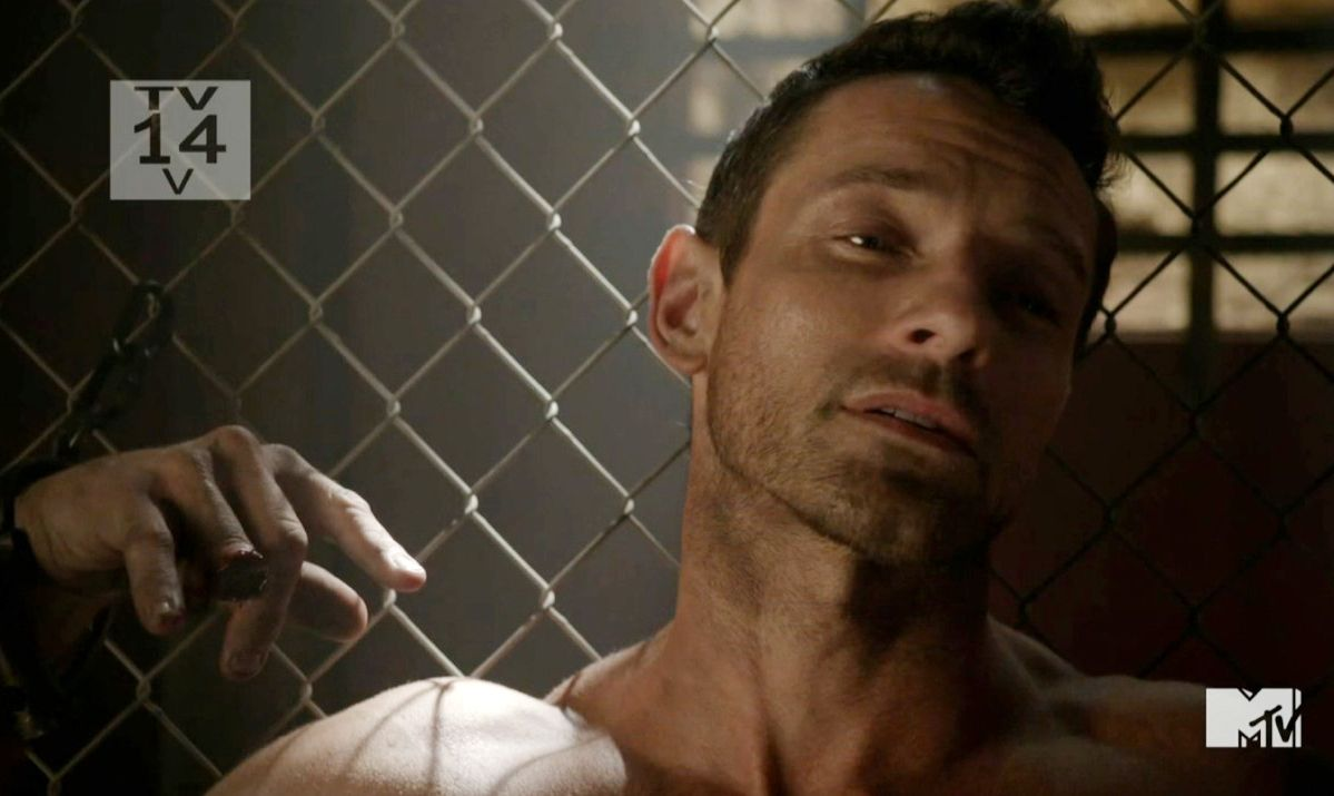 Tyler Hoechlin and Ian Bohen in Teen Wolf Episode 3.14 | Male ...