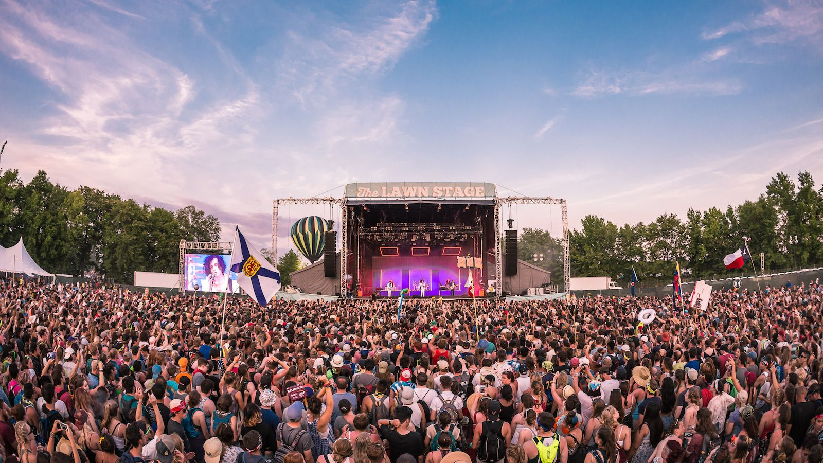 36 Photos of Festies Loving Life at Firefly Music Festival | Everfest