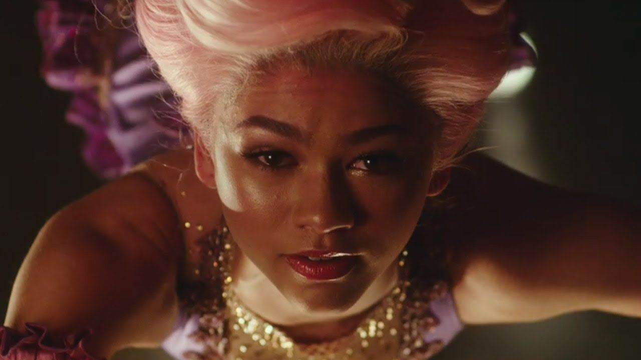Zendaya & Zac Efron Fall In Love In First 'The Greatest Showman ...