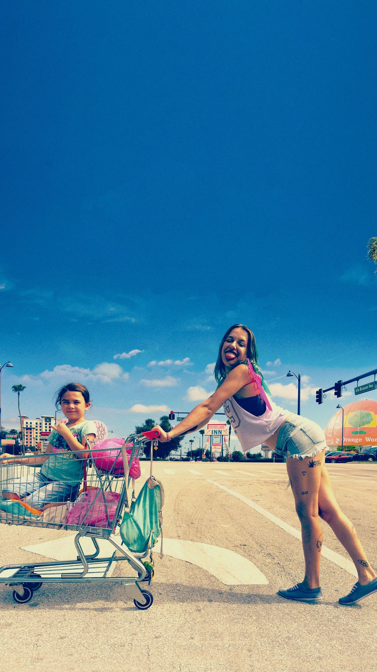 The Florida Project (2017) Phone Wallpaper | Movie wallpapers ...