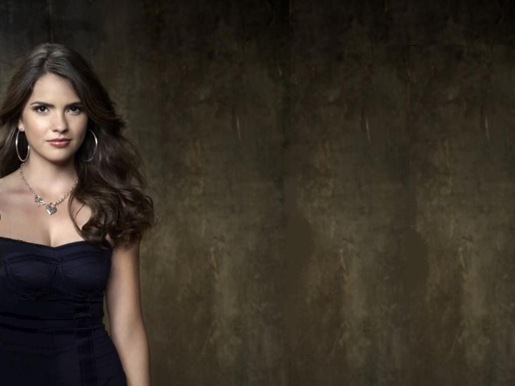 Shelley Hennig HD Wallpaper | Full HD Pictures