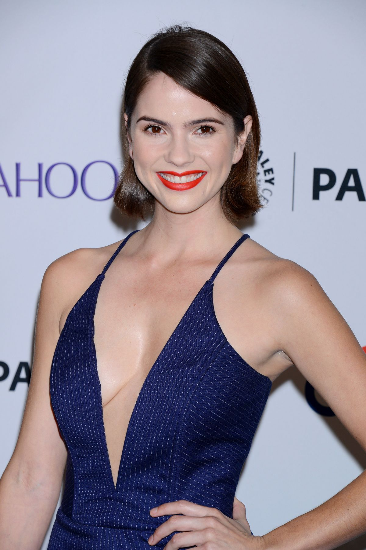 Shelley Hennig Archives - Page 2 of 2 - HawtCelebs - HawtCelebs