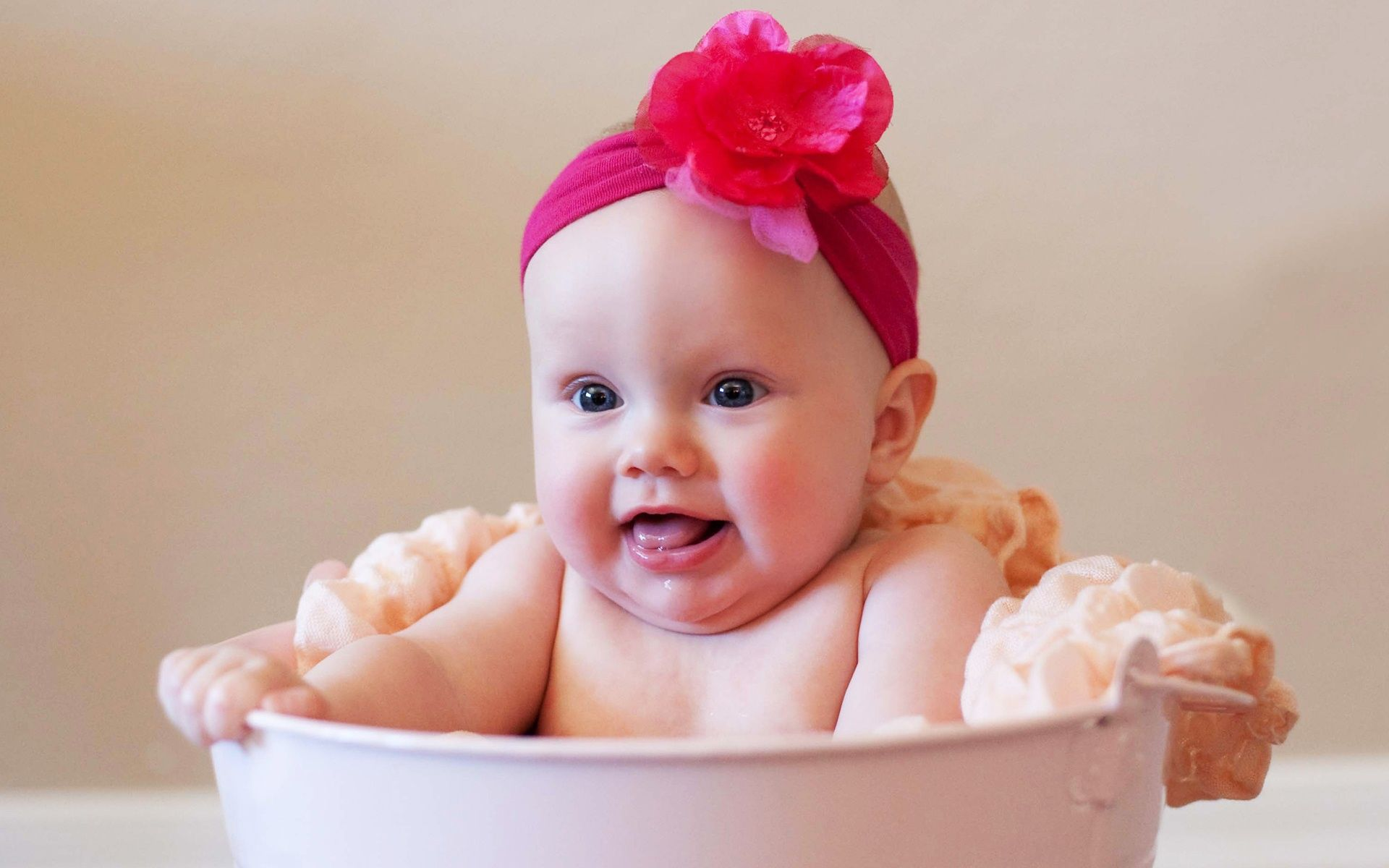 Cutest Baby Girl Wallpapers | HD Wallpapers