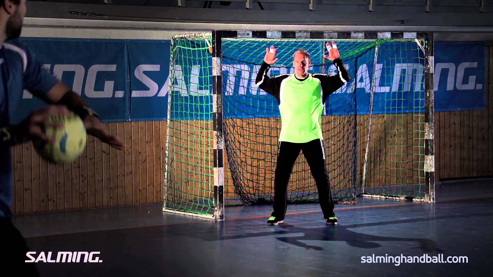 Salming Handball Academy - Goalie - Starting position arms - YouTube