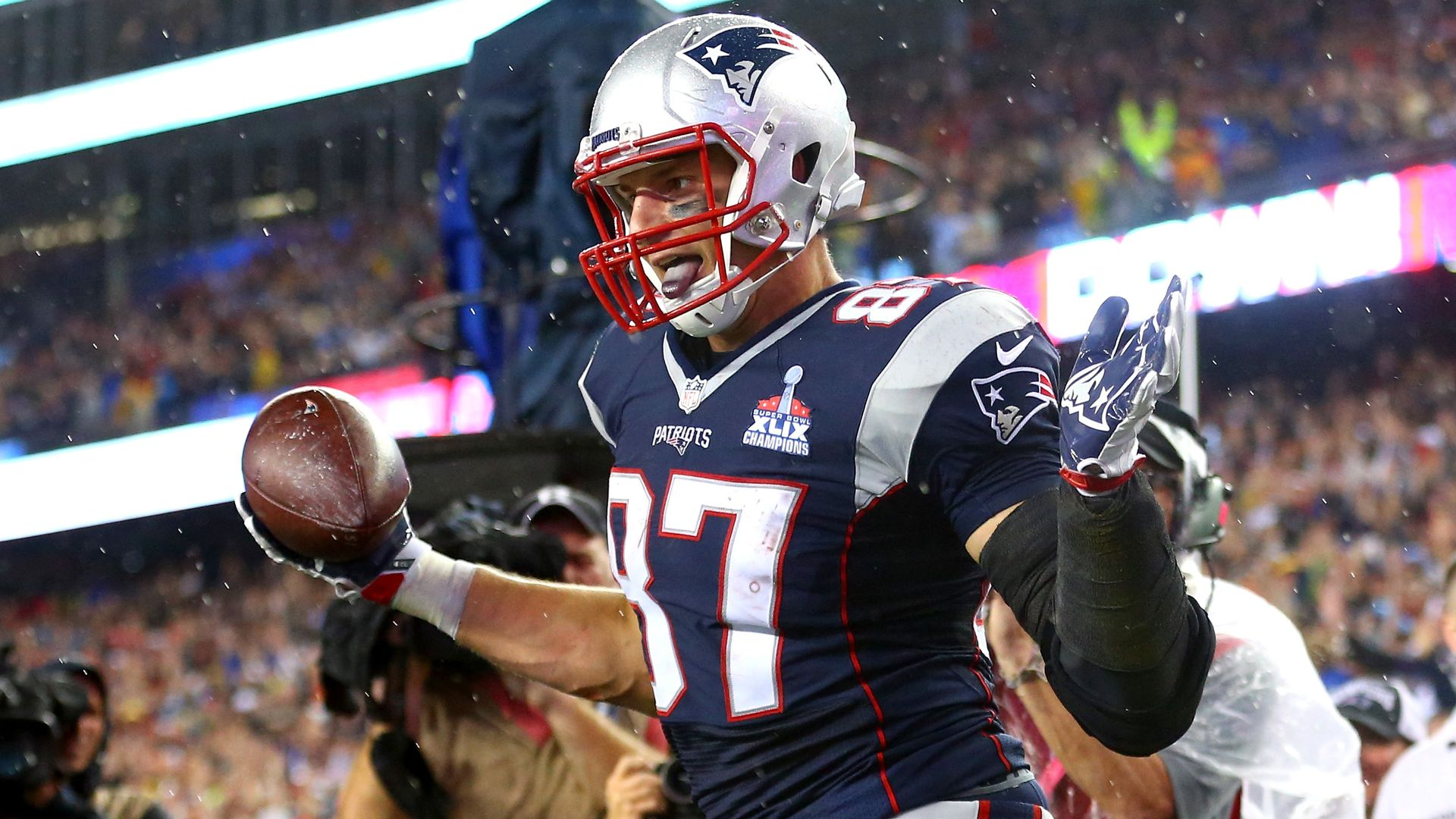 Rob Gronkowski to play Thursday for Patriots against Texans, per ...