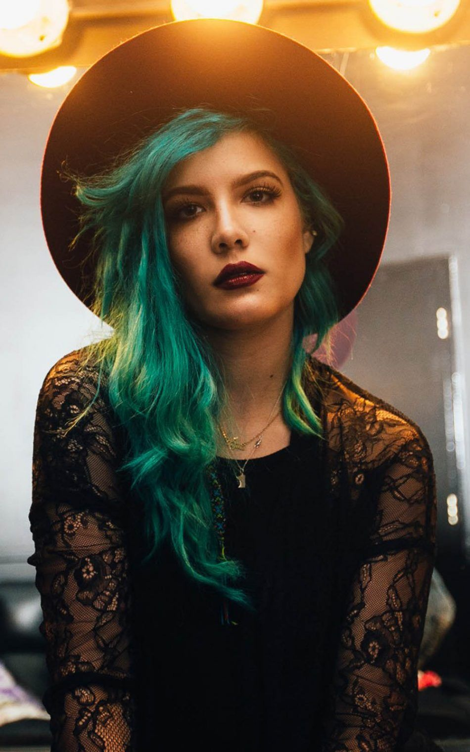 Halsey 2017 - Download Free 100% Pure HD Quality Mobile Wallpaper