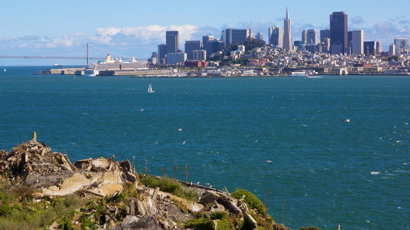 Landscape Pictures: View Images of Alcatraz Island