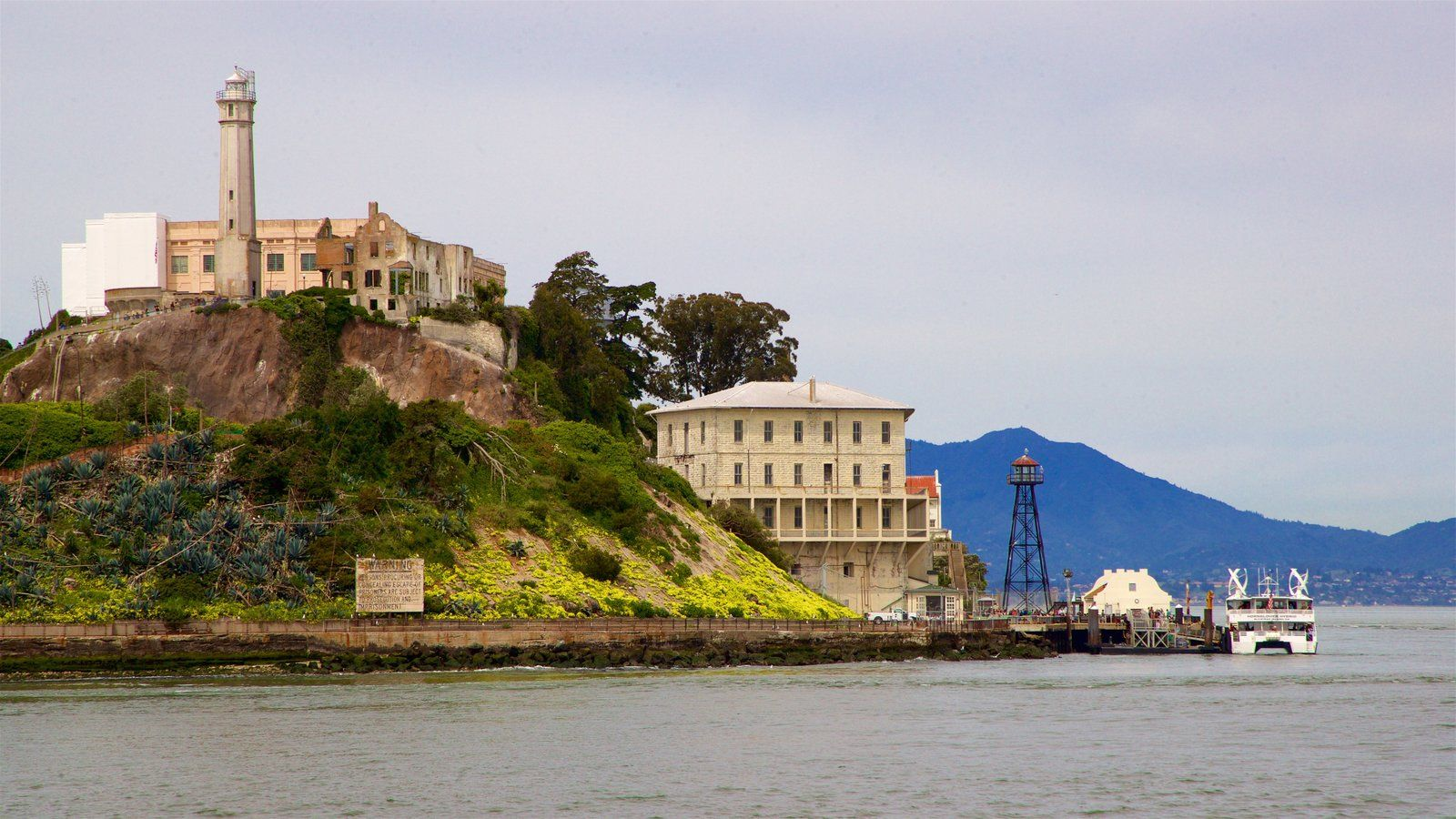 Nature Pictures: View Images of Alcatraz Island