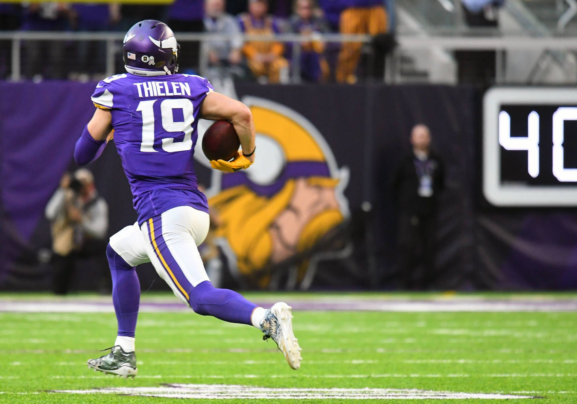 Adam Thielen roasts Rams for 65-yard touchdown | Yardbarker.com