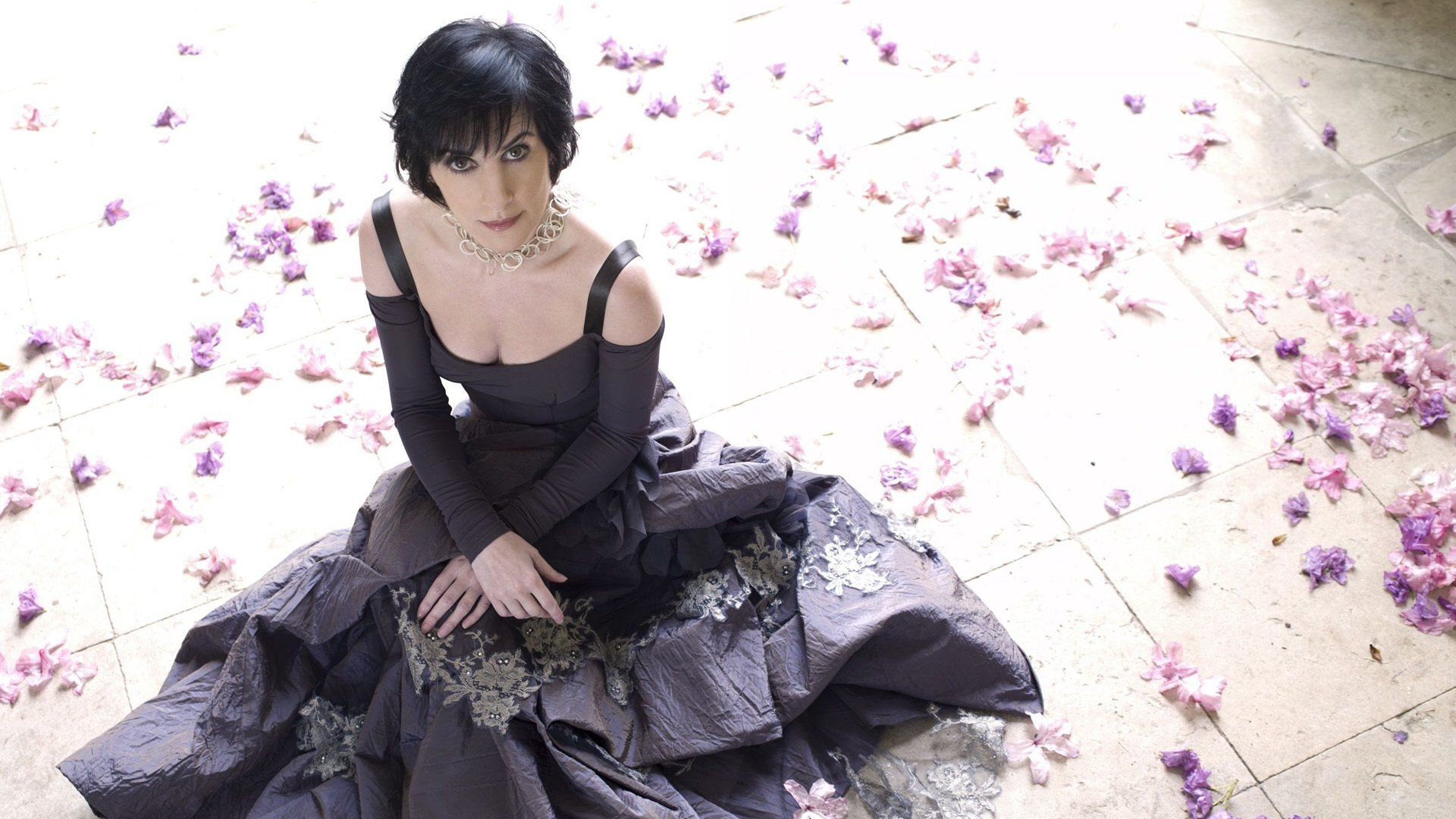 8 Dolores O' Riordan HD Wallpapers | Backgrounds - Wallpaper Abyss
