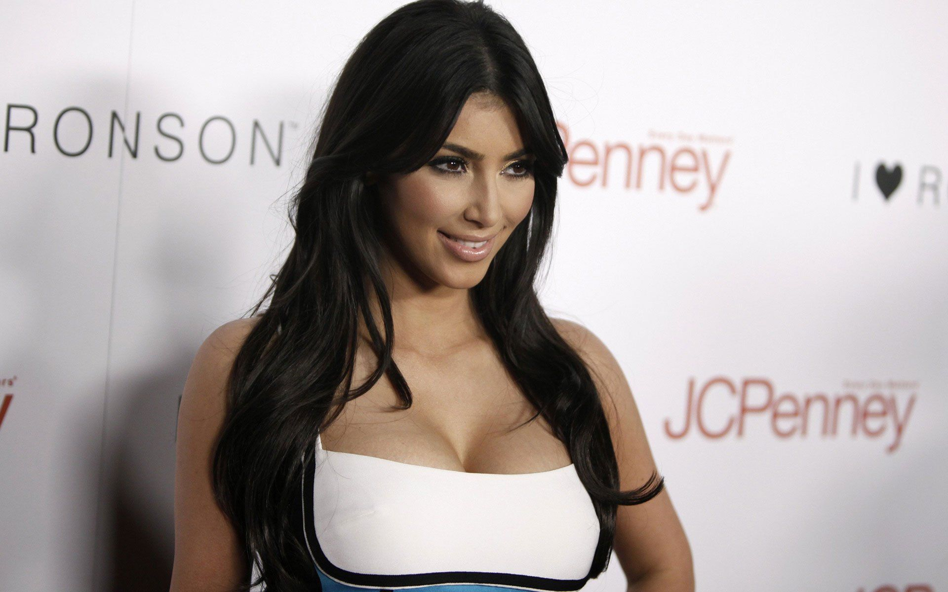 Widescreen Kim Kardashian Hd P With Hot Images Of Cardisiya High ...