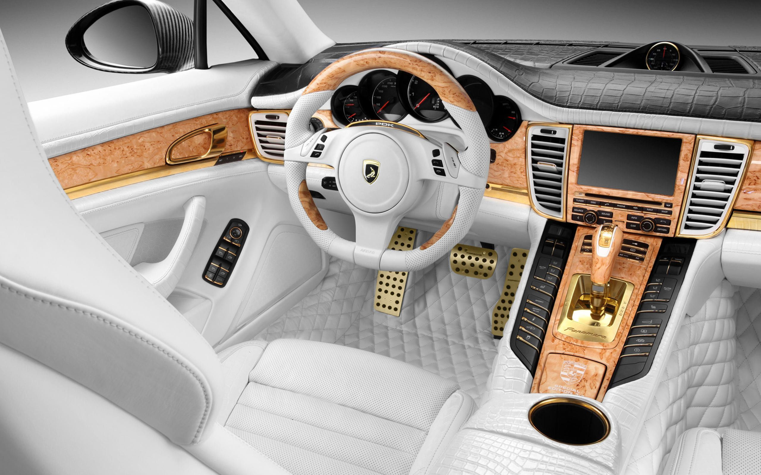 Luxury Car Interior Wallpaper 4775 2560x1600 - uMad.com