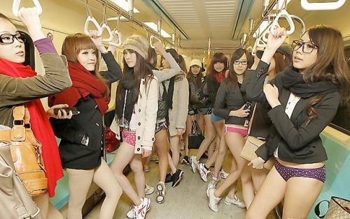 no pants subway 25 No pants subway ride 2012 (36 Photos)