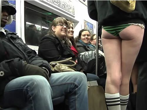 no pants subway 20 No pants subway ride 2012 (36 Photos)