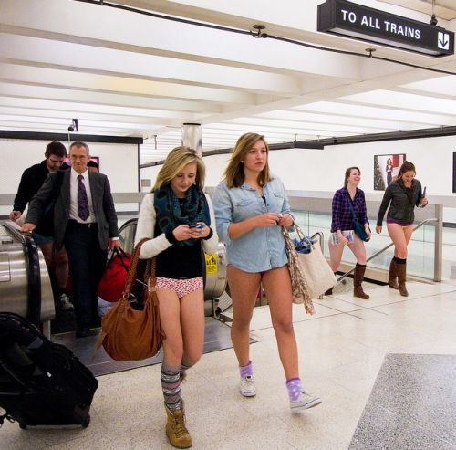no pants subway 12 No pants subway ride 2012 (36 Photos)