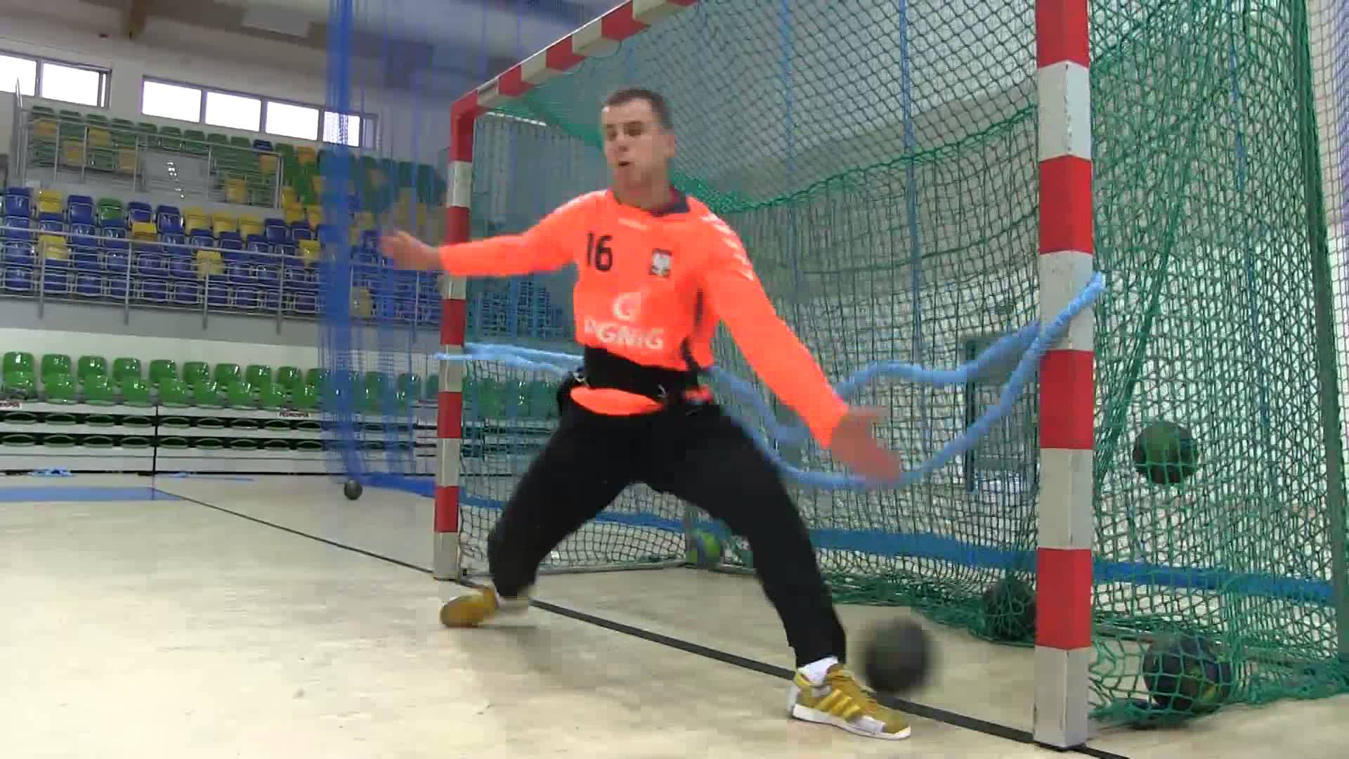 handball goalkeeper - YouTube