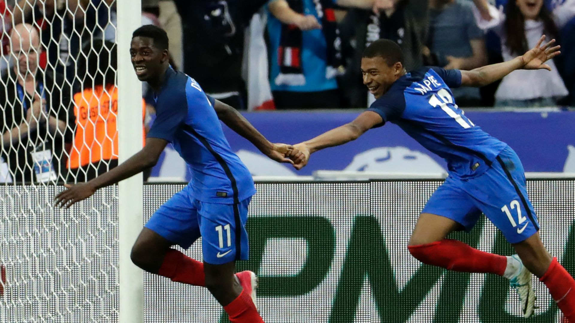 Why Ligue 1 succeeds with youngsters where the Premier League fails ...