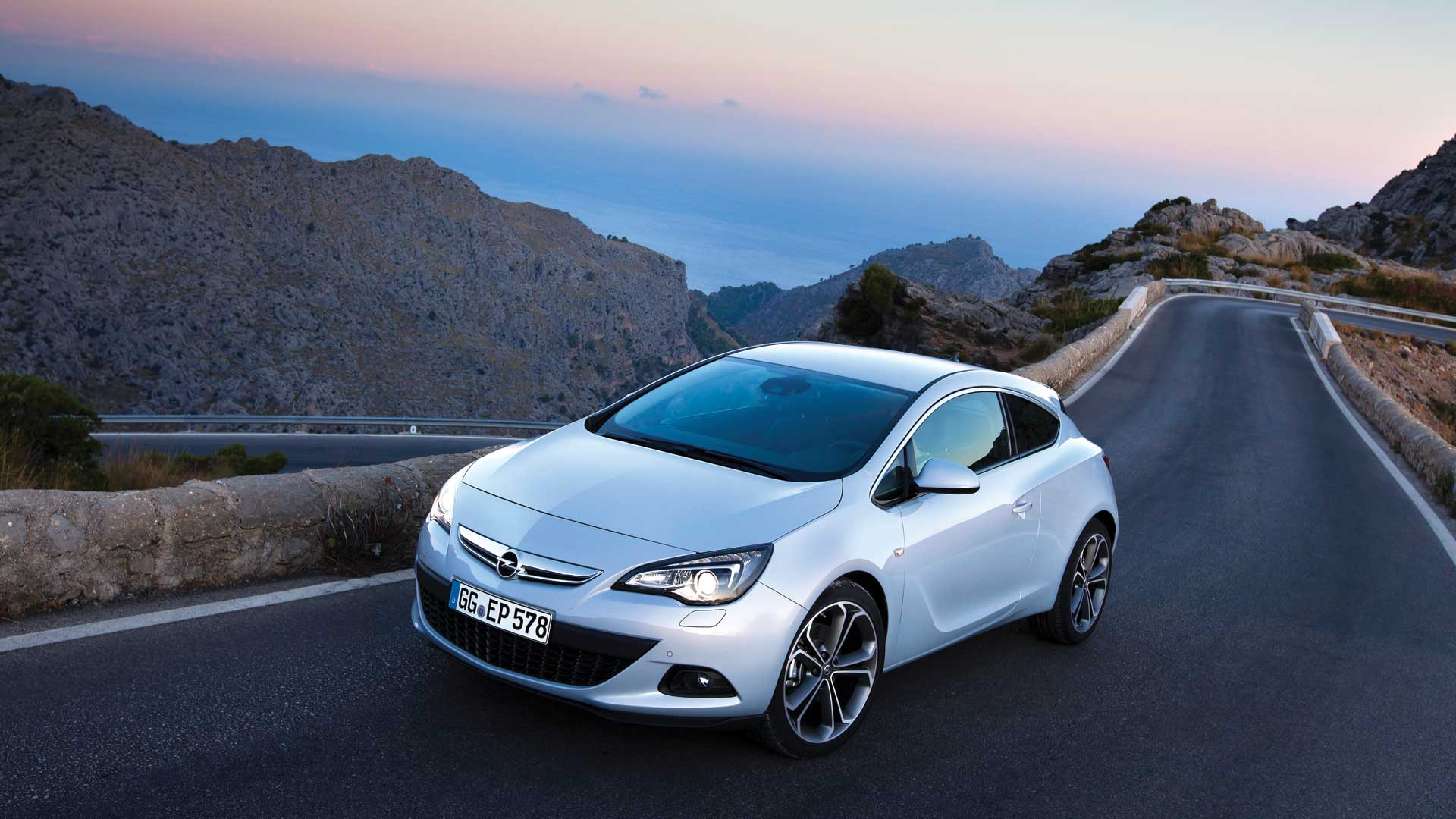 Opel Cars Wallpapers | Ultra High Quality Wallpapers