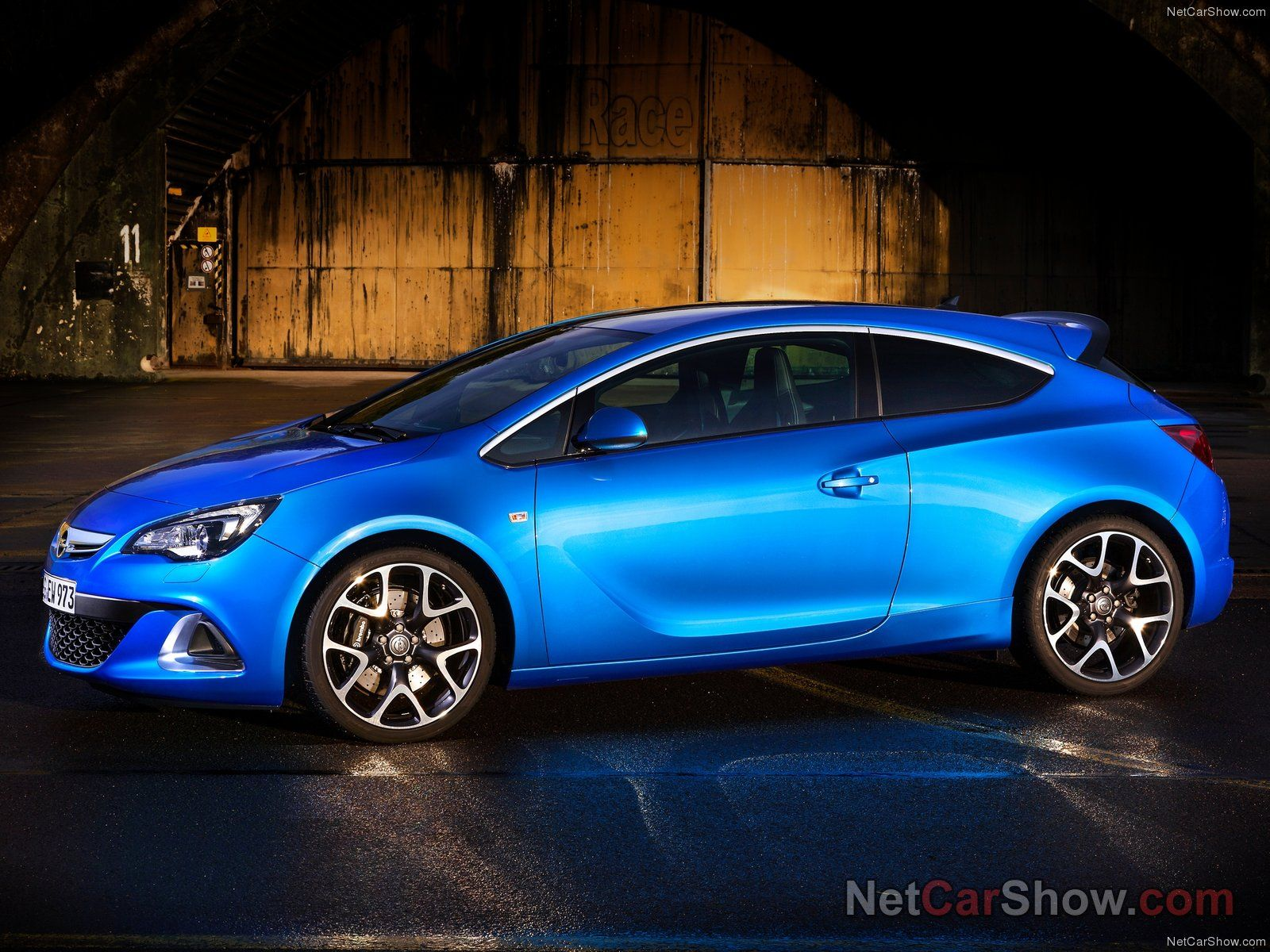 Opel Astra OPC picture # 92970 | Opel photo gallery | CarsBase.com