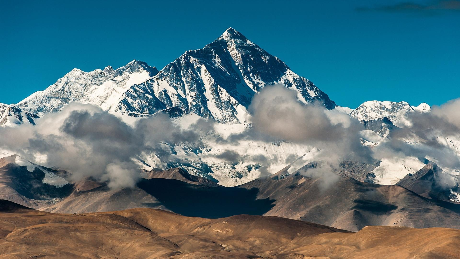 HD The mighty mount everest Wallpaper Free