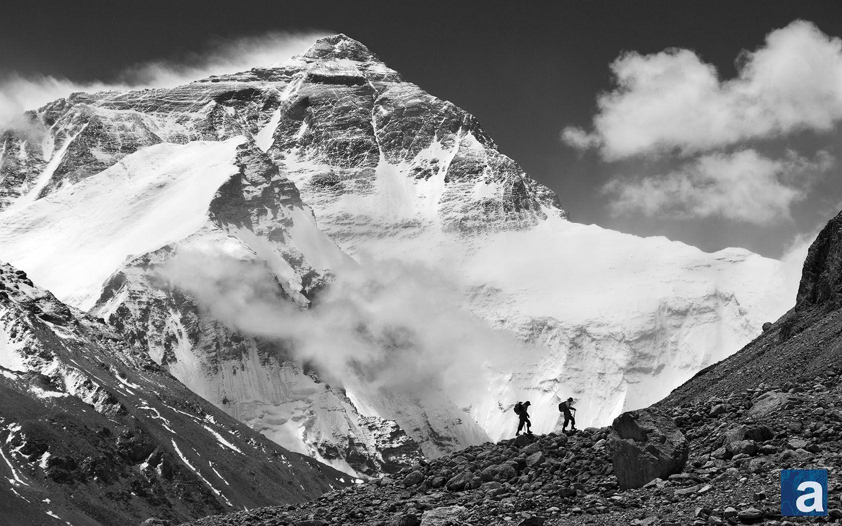 Wallpaper Wednesday: Mt. Everest | adventure journal