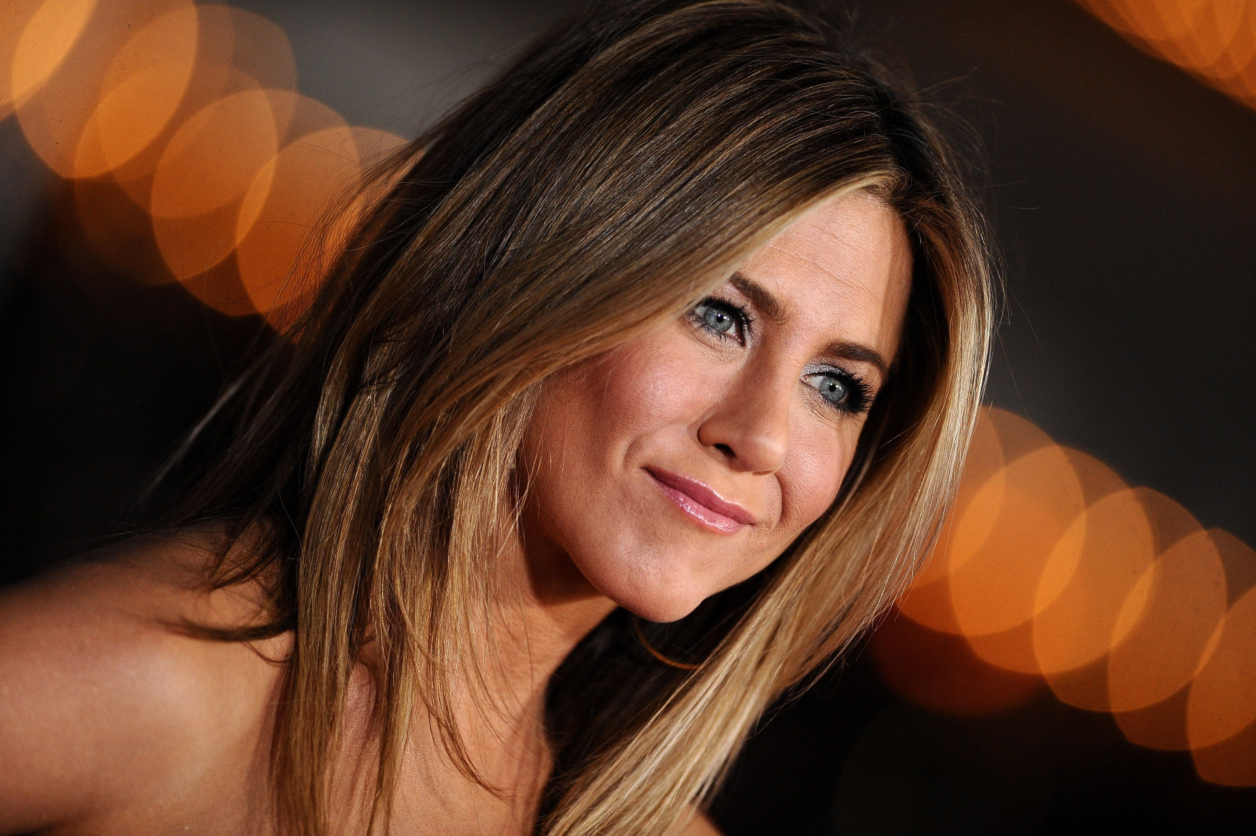 4 4K Ultra HD Jennifer Aniston Wallpapers | Background Images ...