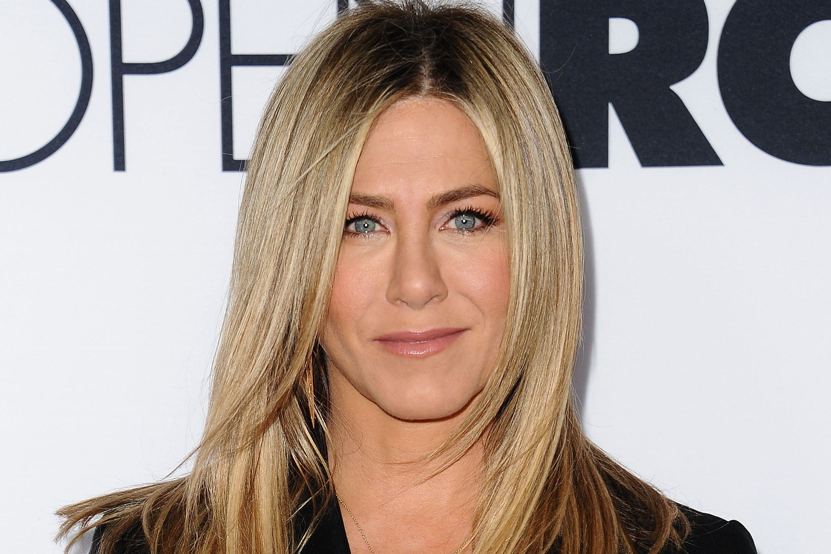 Jennifer Aniston on Battling Dry Eyes and the New Herb She Thinks ...