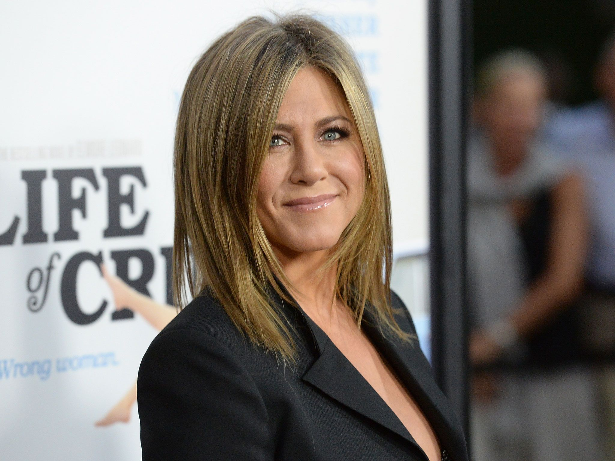 Jennifer Aniston quashes viral story suggesting she helped ...