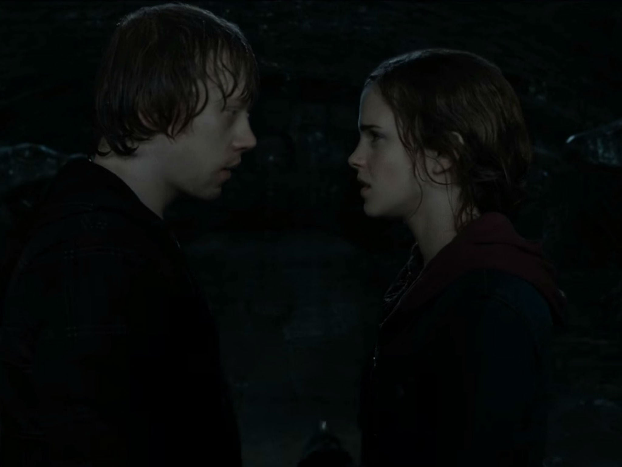 Rupert Grint was really unimpressed by that Emma Watson kiss in