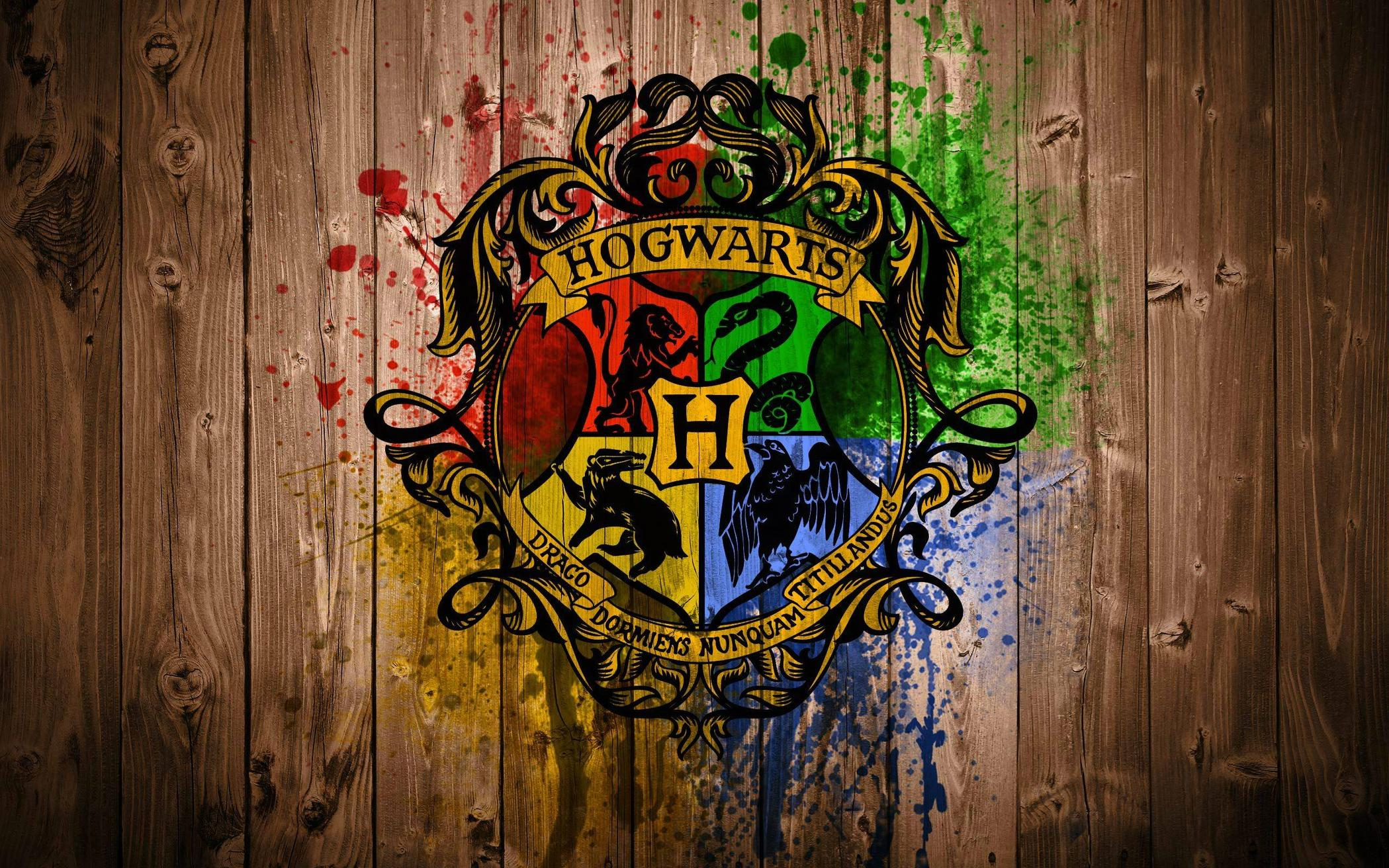 Harry Potter Hogwarts Wood Logo wallpapers
