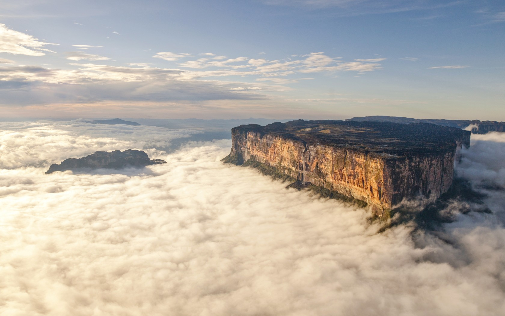 Mount Roraima ! The Oldest Geological Formations on Earth
