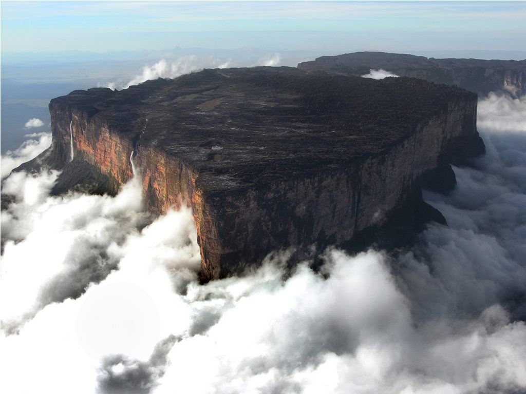 Helicopter to Mount Roraima and Canoe to Angel Falls » Redfern