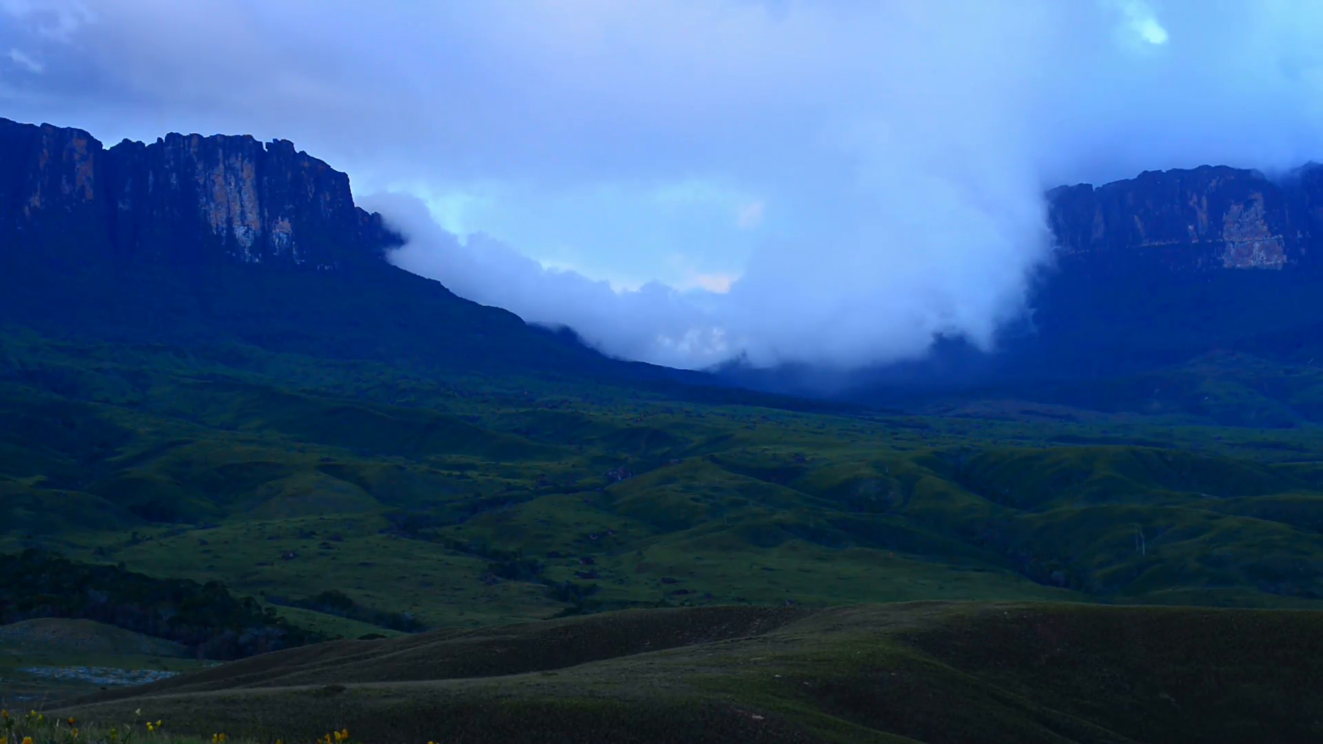 Clouds on the top of Mount Roraima in the evening in Canaima