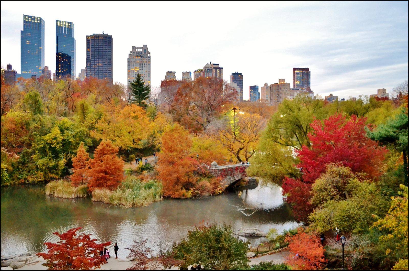 Best 50+ Romantic Autumn in New York Wallpapers on HipWallpapers