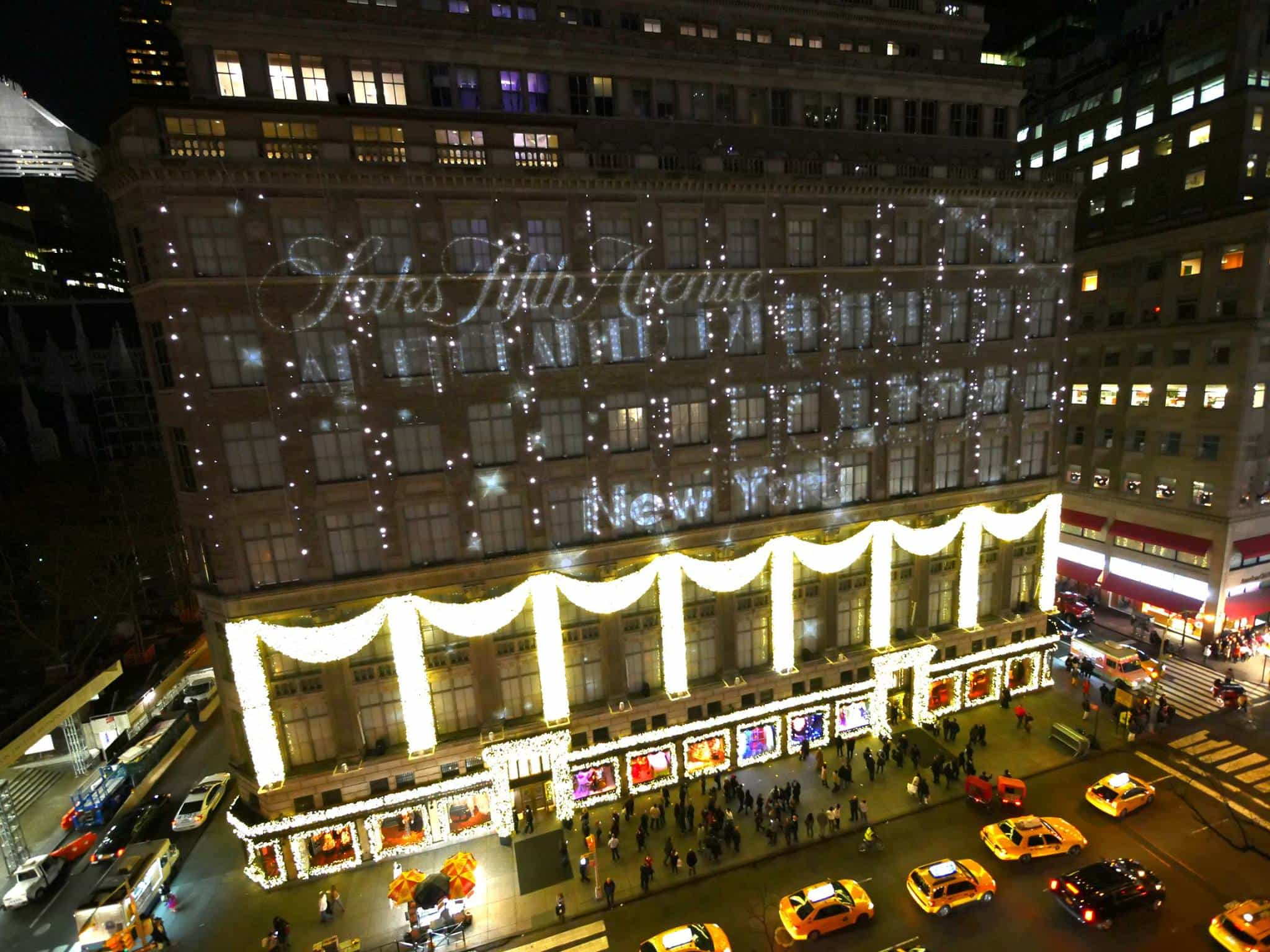 Saks 5th Avenue Holiday Projection Mapping Event