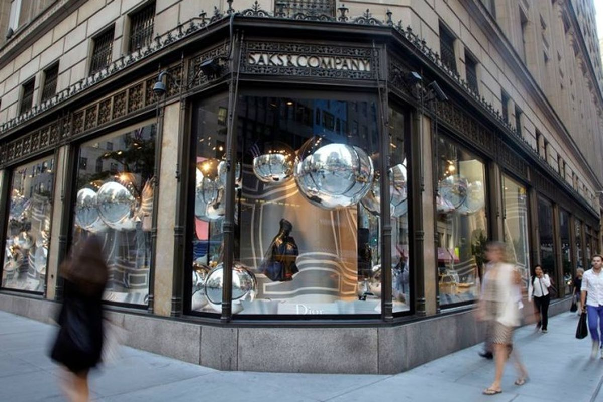Saks Fifth Avenue to Open In