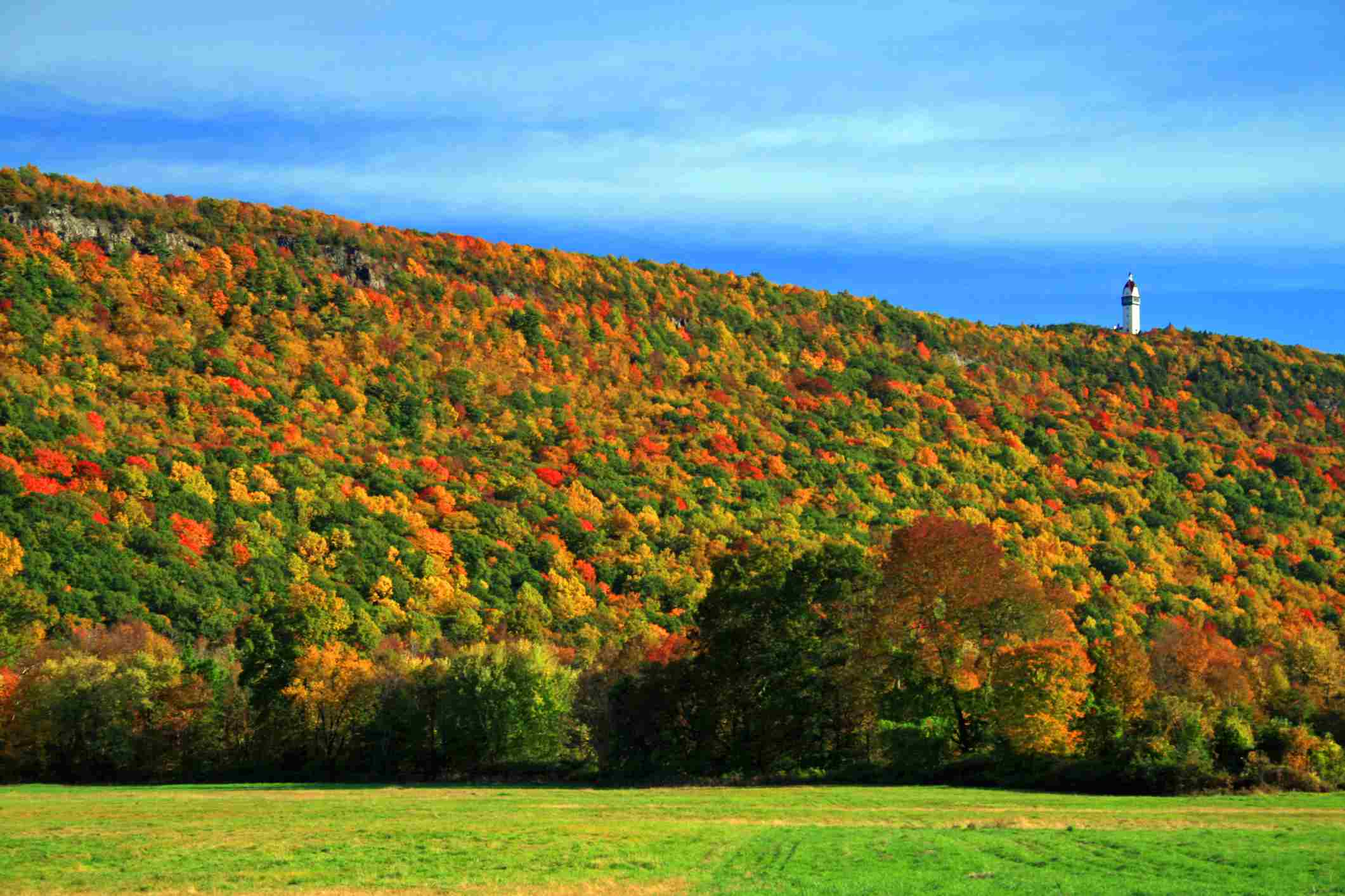The Best Places to See Fall Foliage in Connecticut
