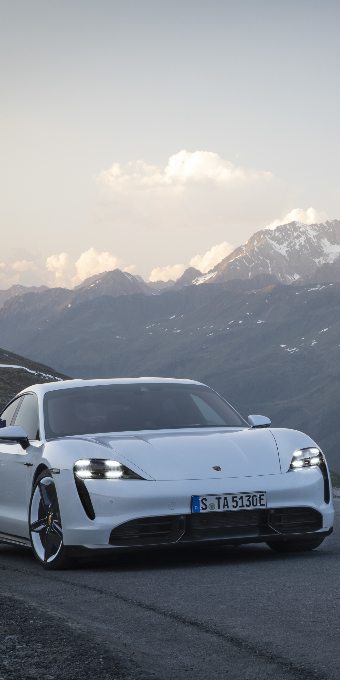 Vehicles/Porsche Taycan Turbo