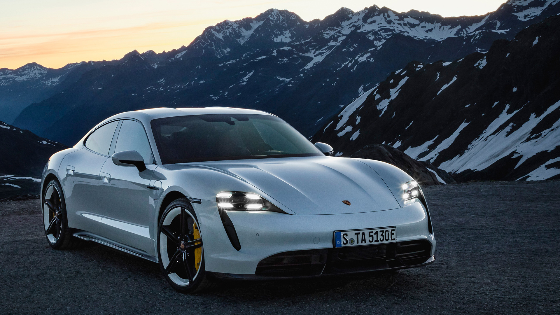 Porsche Taycan 2019 Turbo S Exterior Car Photos