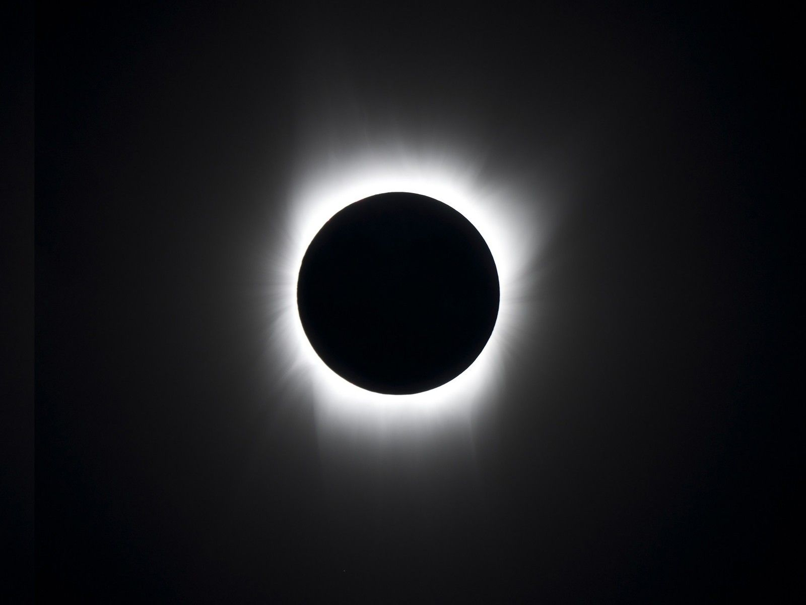 Blot out the sun with these eclipse wallpapers