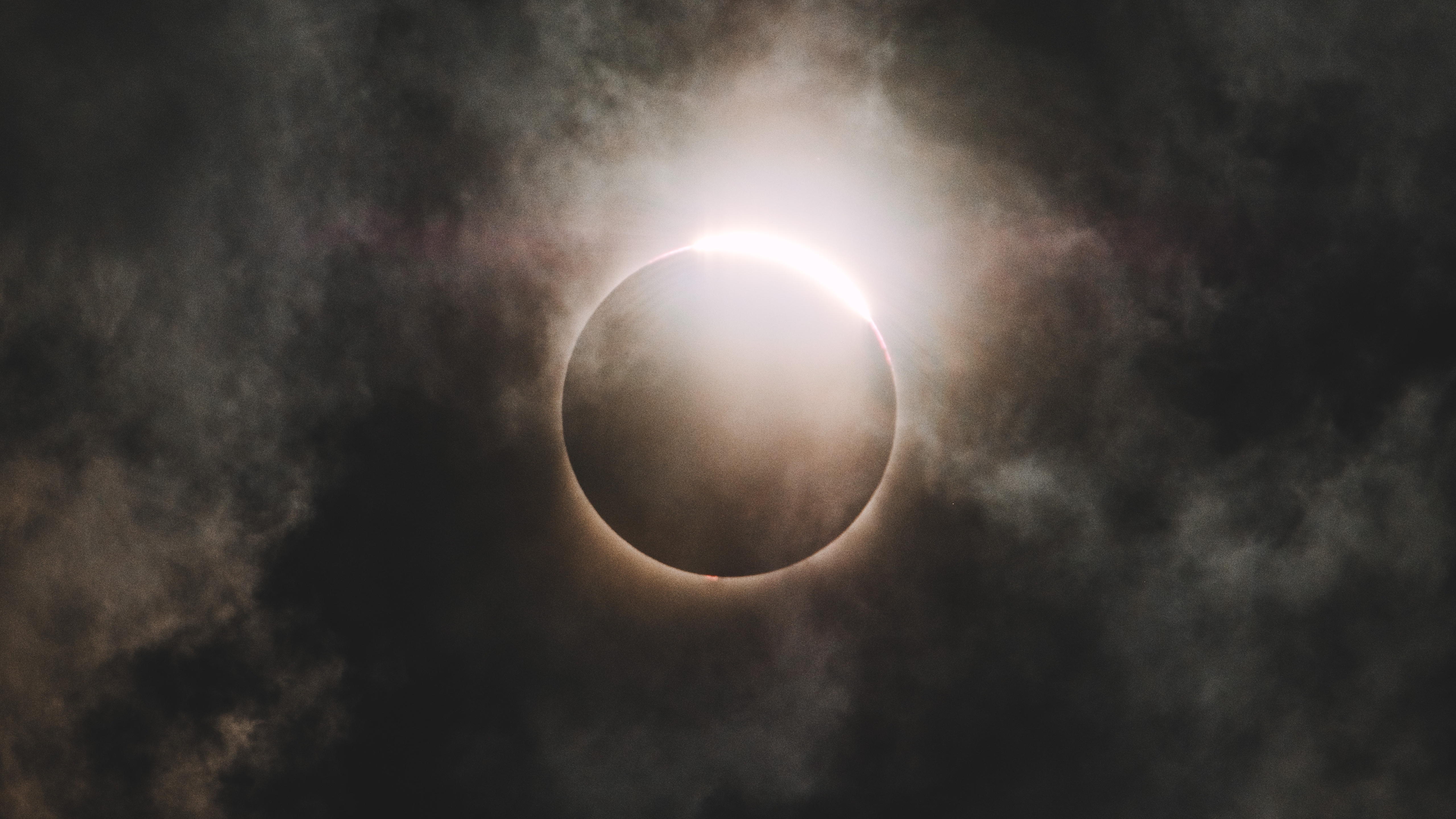 Wallpapers Weekends: Solar Eclipse 2017 for Mac, iPhone, iPad, and