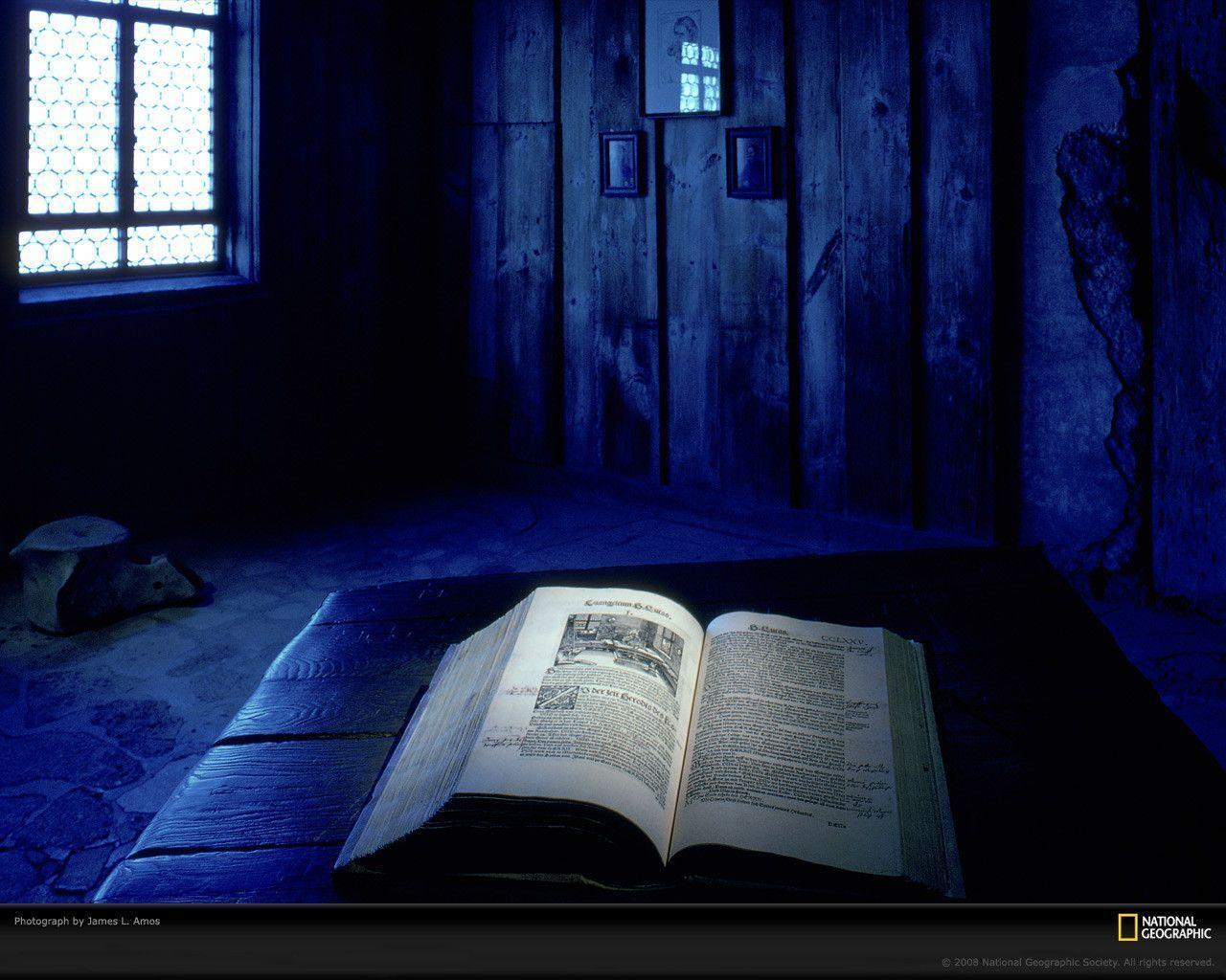 Christian Photography: The Holy Bible Wallpapers