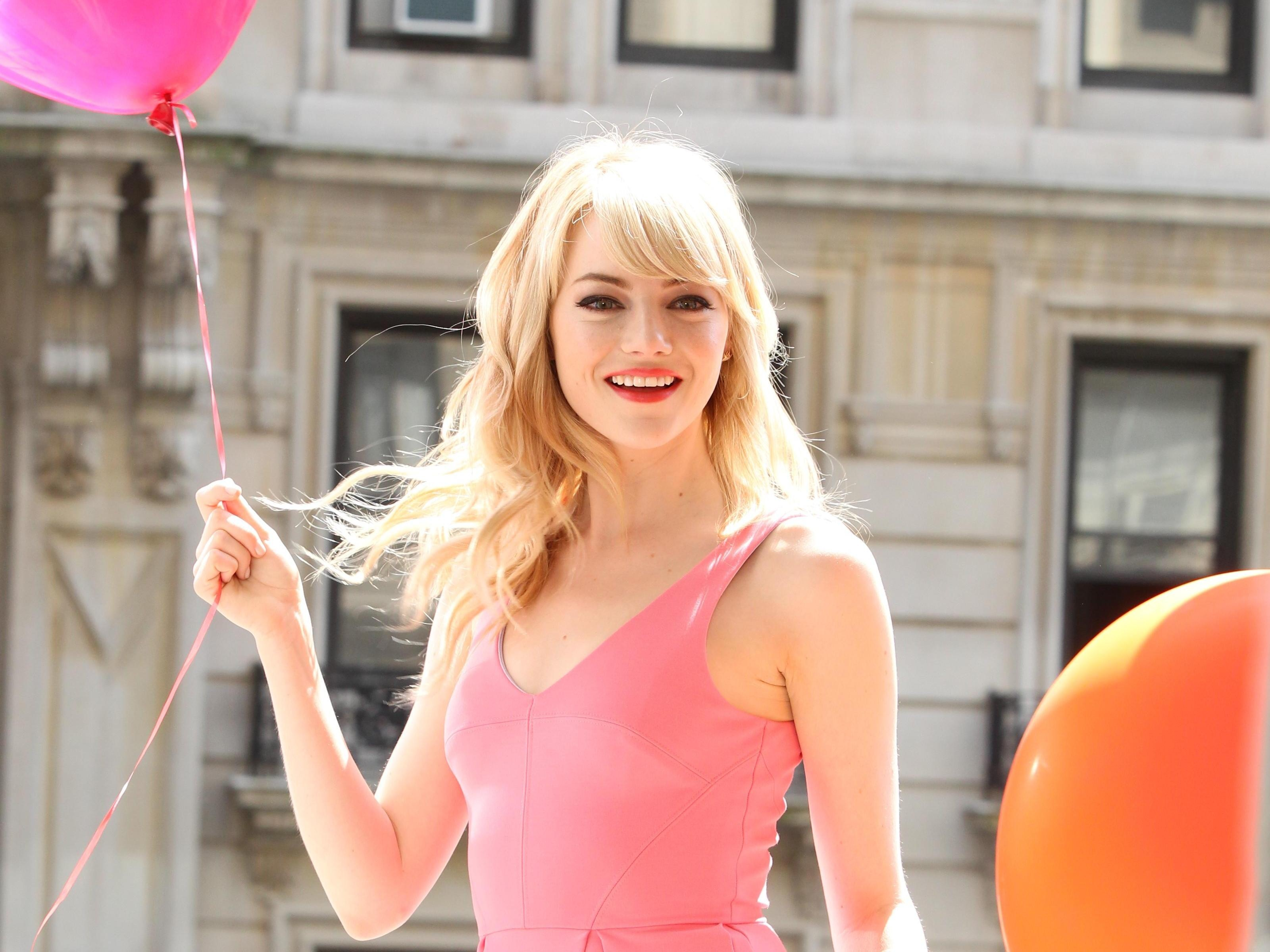 Emma Stone Actress Pink Baloons 3k Wallpapers and Free Stock