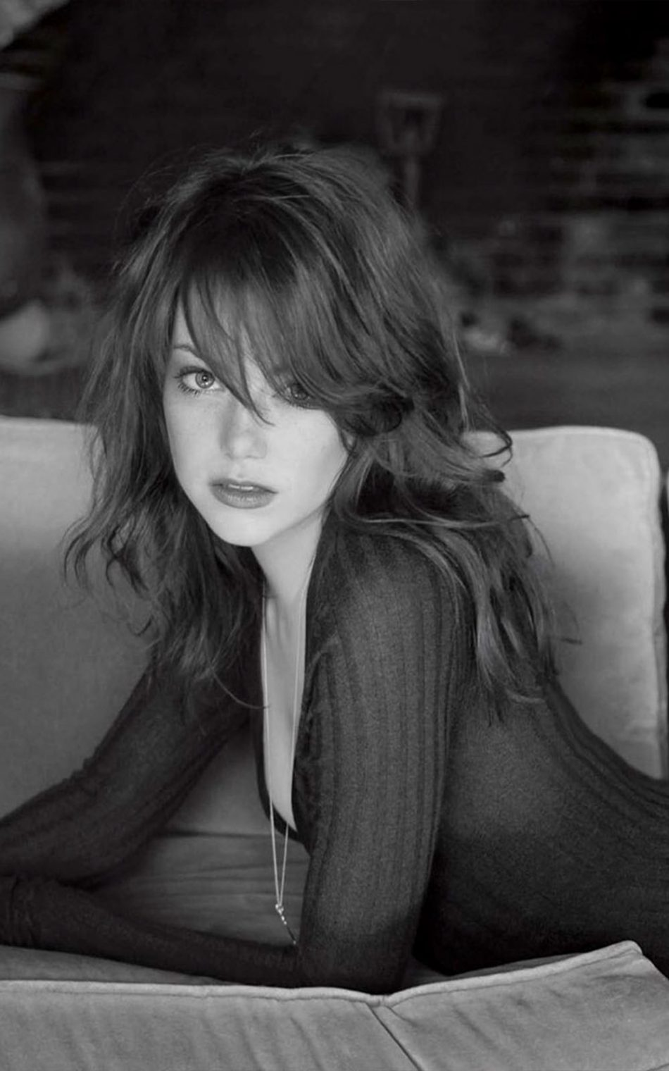 Download Emma Stone Hot BW Photoshoot Free Pure 4K Ultra HD Mobile