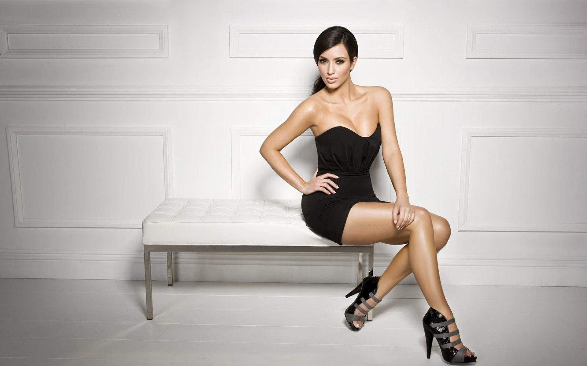 Kim Kardashian Backgrounds Download