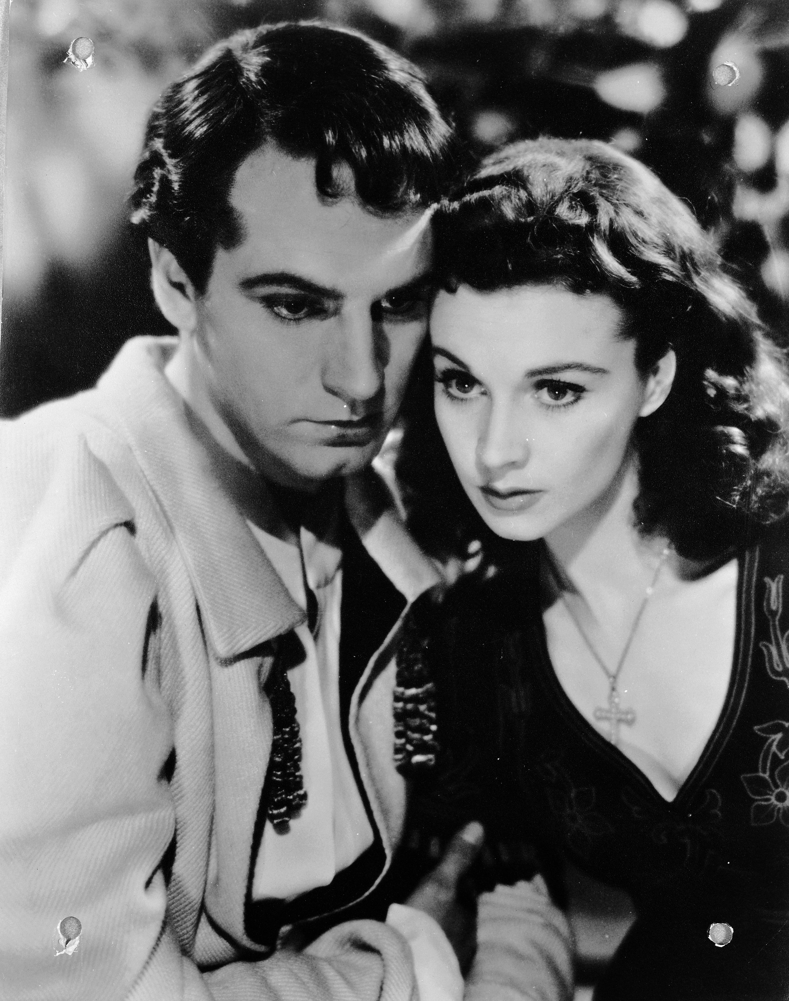 A Timeline of Vivien Leigh and Laurence Olivier's Tragic Love Story