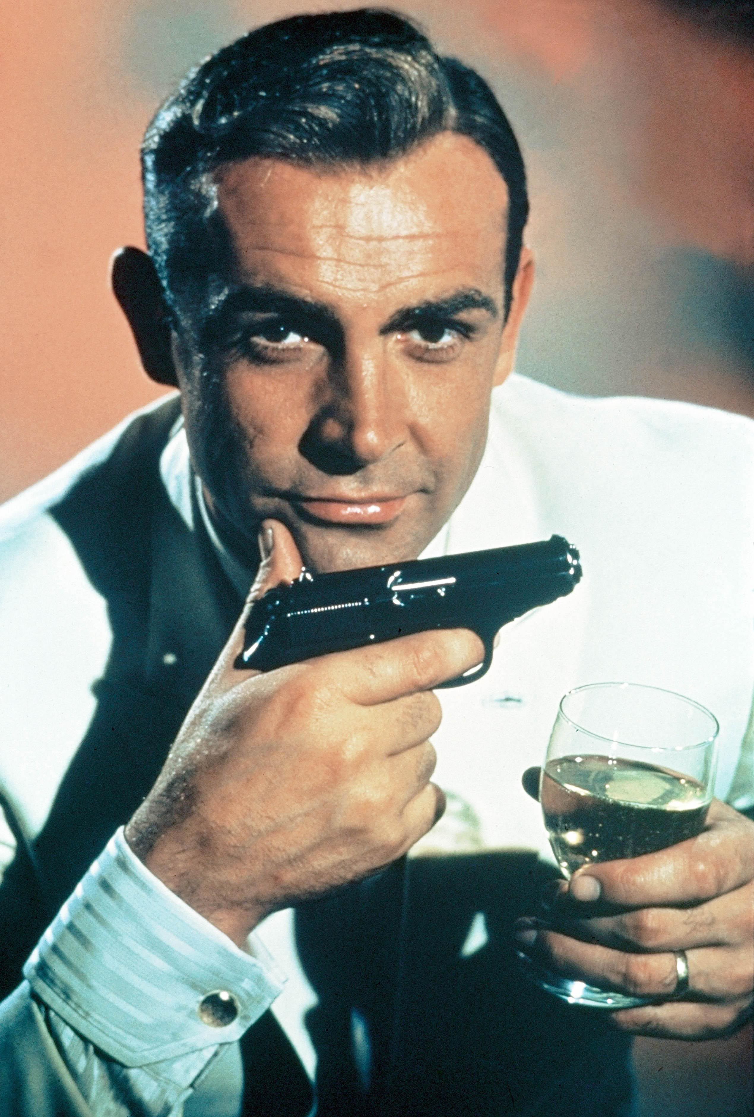 Sean Connery Biography & Wallpapers