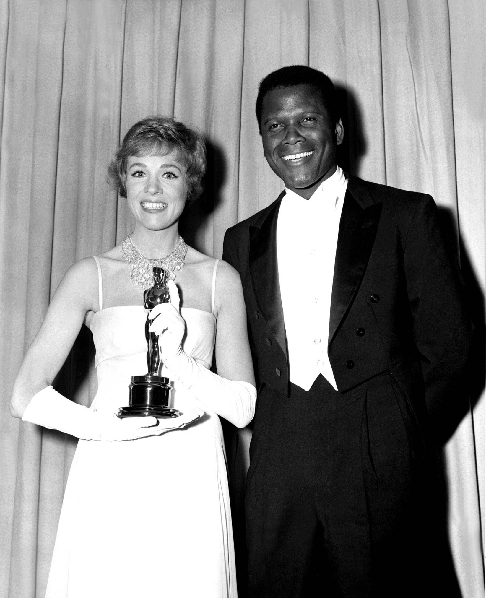 Julie Andrews and Sidney Poitier