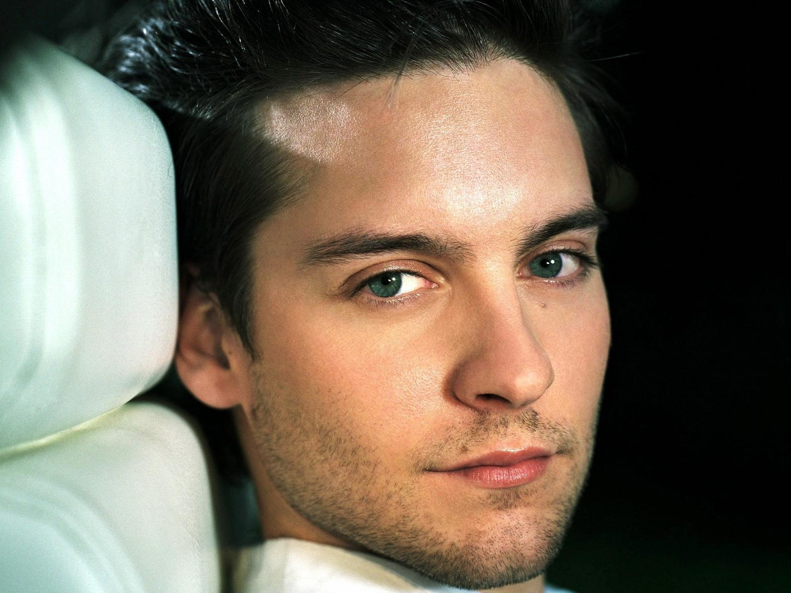 Wallpapers Celebs Directory: Tobey Maguire